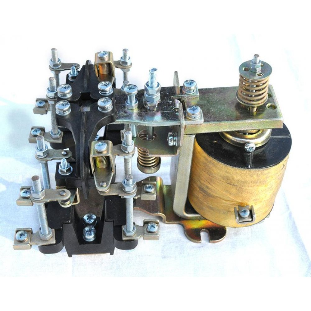 Электромагнитное реле РЭВ 825